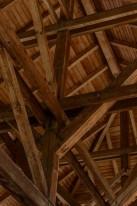 mansarda con travi in legno
