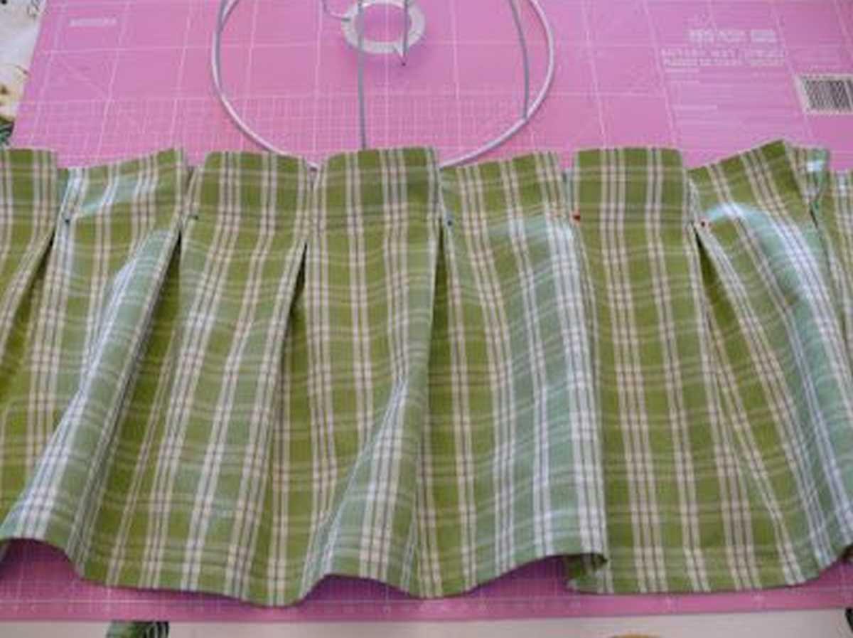 come-trasformare-vecchie-camicie-in-lampade-da-tavolo-istruzioni