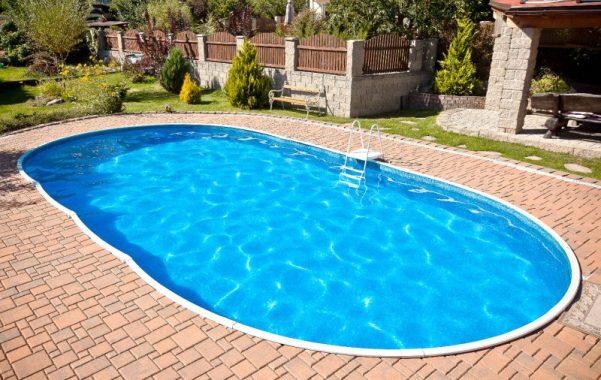 Come fare la manutenzione ordinaria a piscina interrata