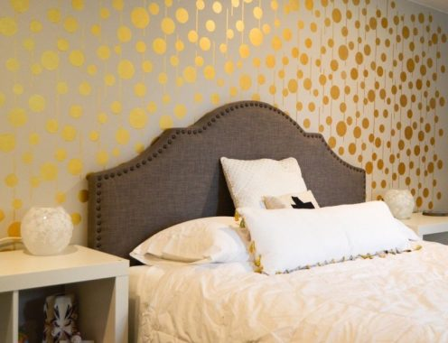 Pareti color oro camera da letto grafica a pois