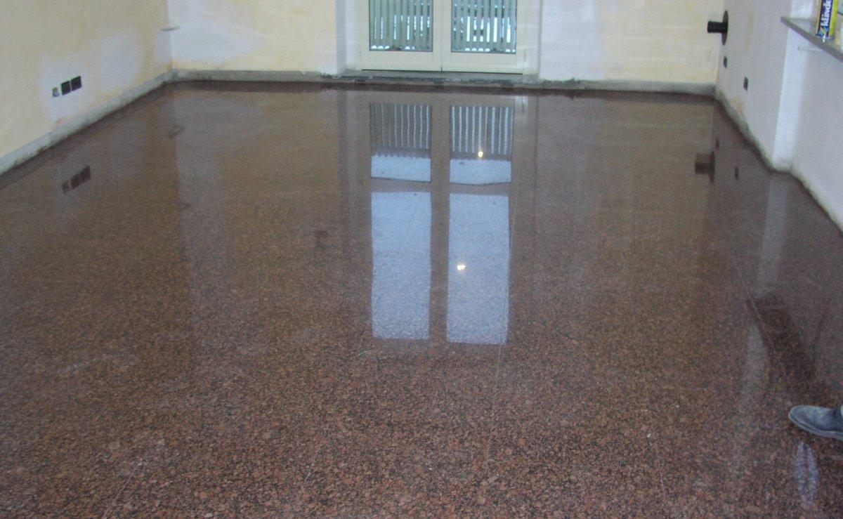pavimento-granito-rosso