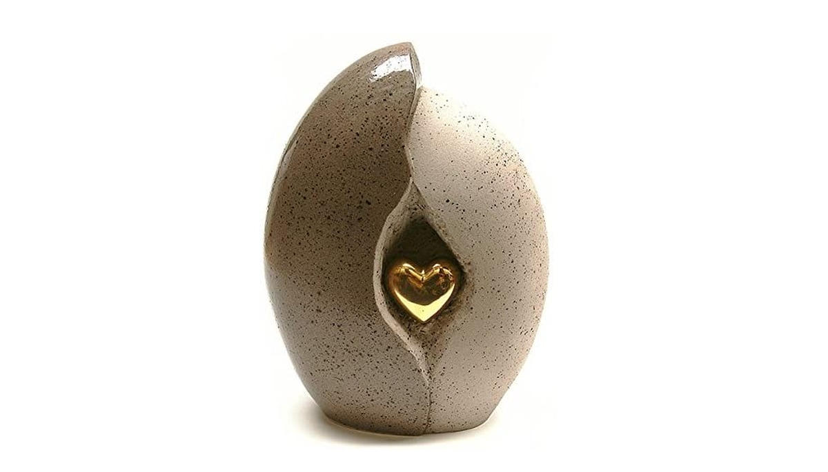 urna-in-ceramica-con-cuore-dorato